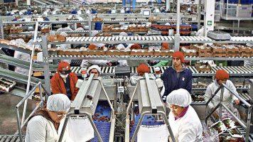 Chile. Fundación Sol: A más del 52 % de quienes trabajan en la empresa privada no les alcanza para sacar a su familia de la pobreza. Los datos de la precariedad laboral